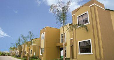 decidir entre una casa de uno o dos pisos 1 390x205 - ¿Qué considerar al decidir entre una casa de uno o dos pisos?