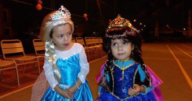 PrincesasJoya 390x205 - Fantasía y disfraces para alegrar a los niños de La Joya