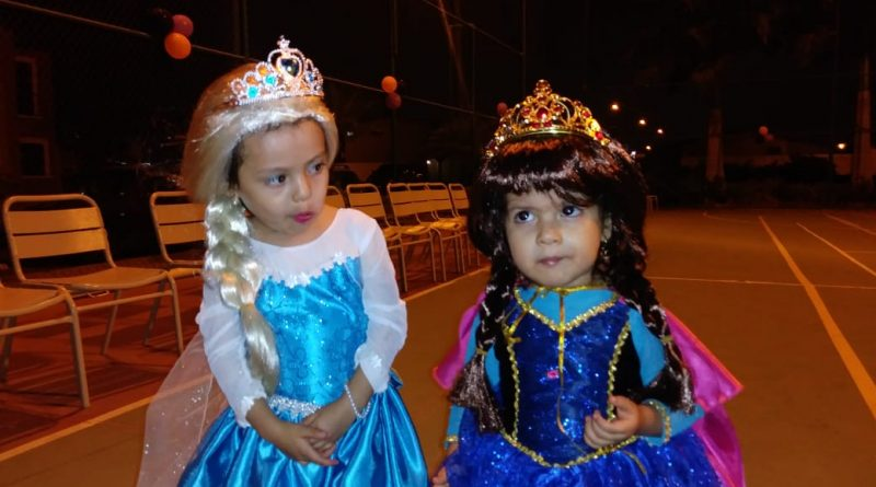 PrincesasJoya 800x445 - Fantasía y disfraces para alegrar a los niños de La Joya