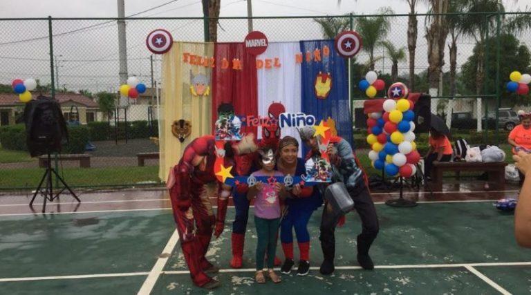 ljDiaNinoSuperheroes 800x445 768x427 - Premios y mucha diversión para niños en su día